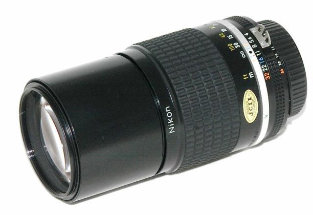 Nikon Nikkor 200mm f/4 AIS: recensione
